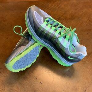 Nike Air Max sneakers NWOT